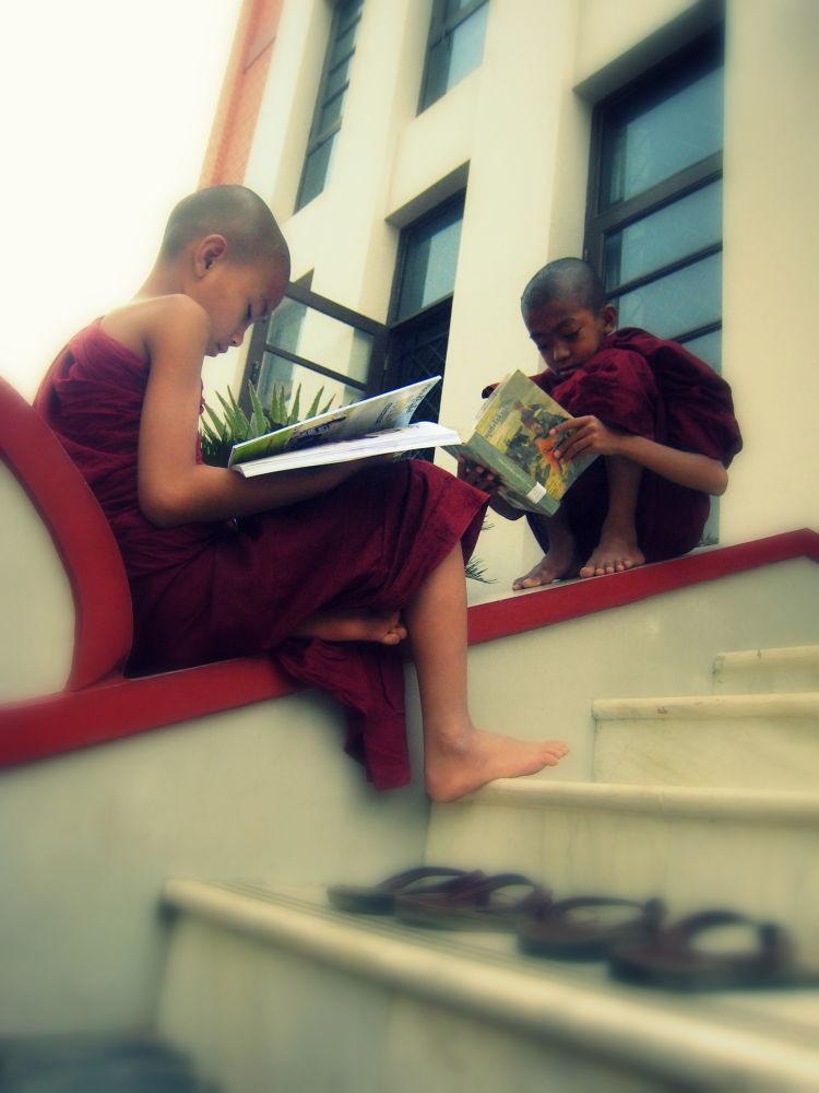 Finding General Knowledge @ stairs of Library, Mya Set Kyar Monastery in Saging , Myanmar by scarlet mon