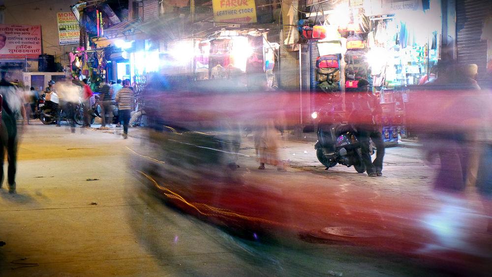 Delhi Main Bazaar, Pharaganj  by garthensley