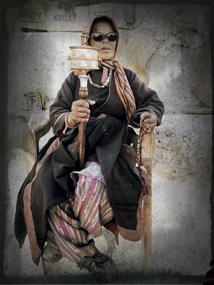 Photo in Random #lahdaki woman #om mani pad me hun #tribal woman #lahdak