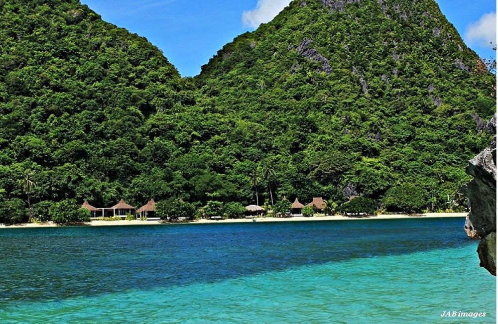 Honungan island resort by panggajoe