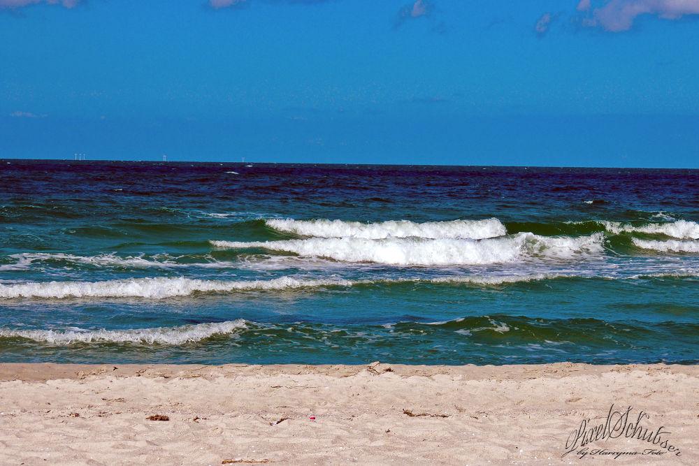 beach by haraldkleiner