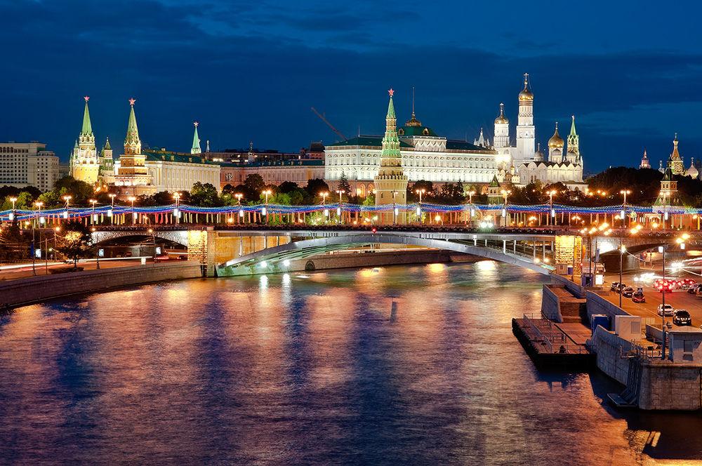 Moscow never sleeps by oland.ru