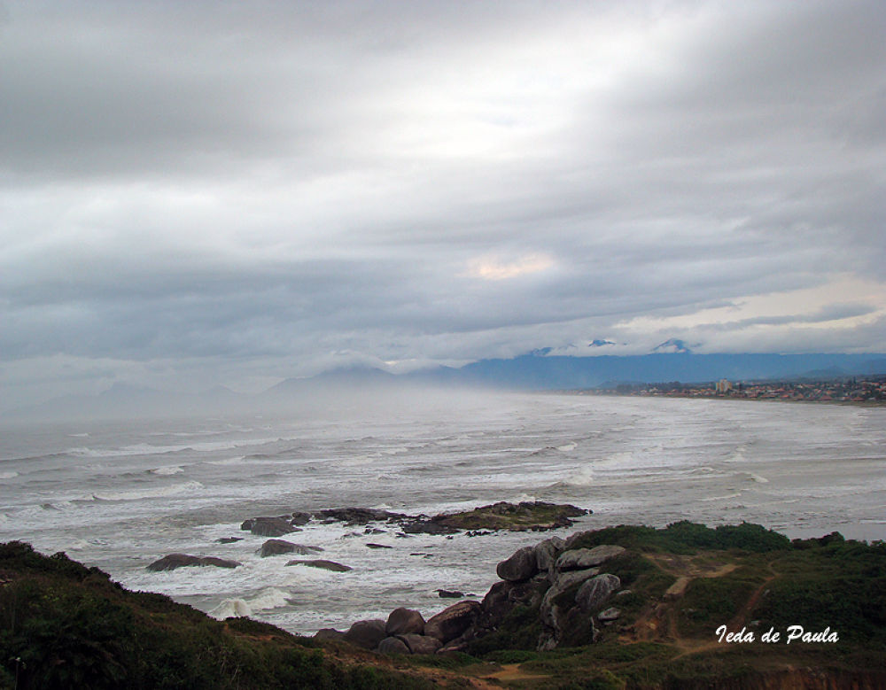 Sea and Rocks by iedadepaula5