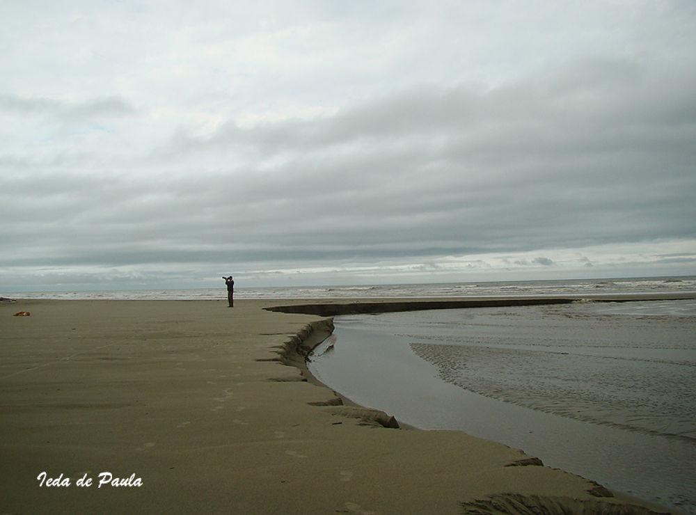 Photographer and Sea by iedadepaula5