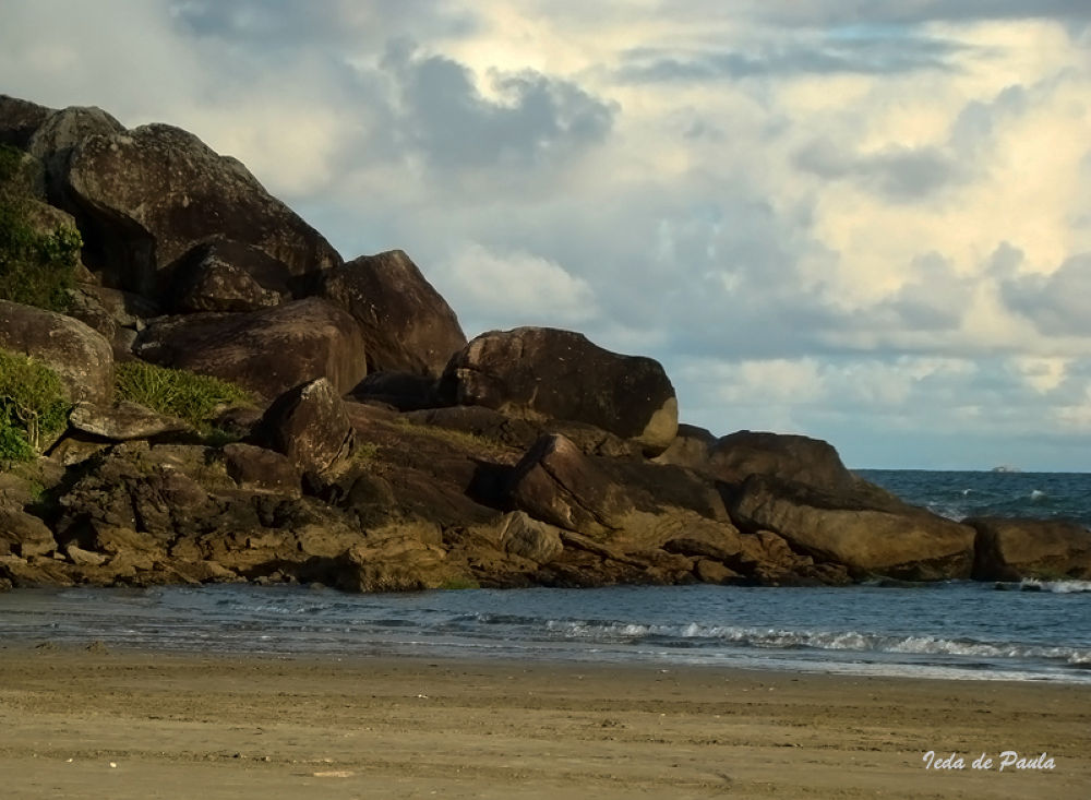 rocks and sea views by iedadepaula5