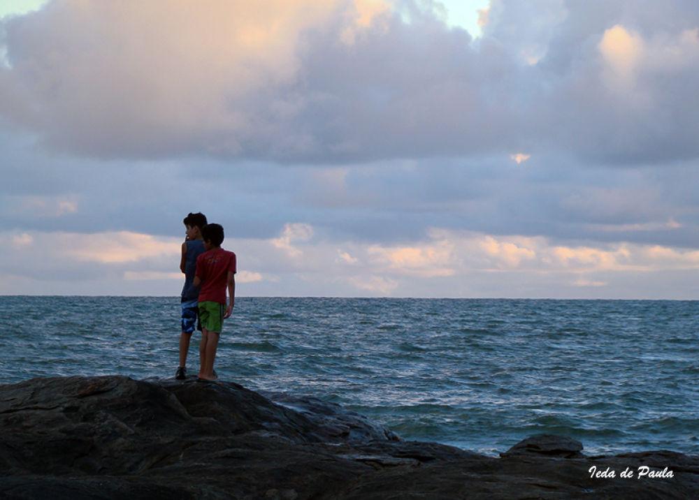 boys and sea by iedadepaula5