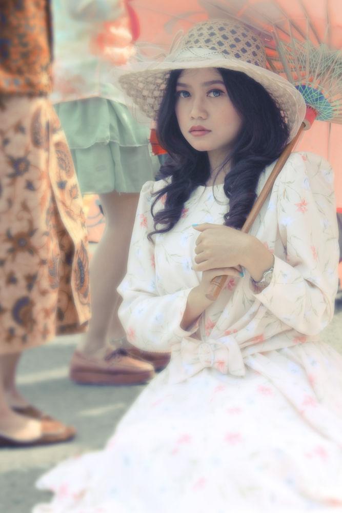 beautiful Indonesia girl by ReggiSopaheluwakan