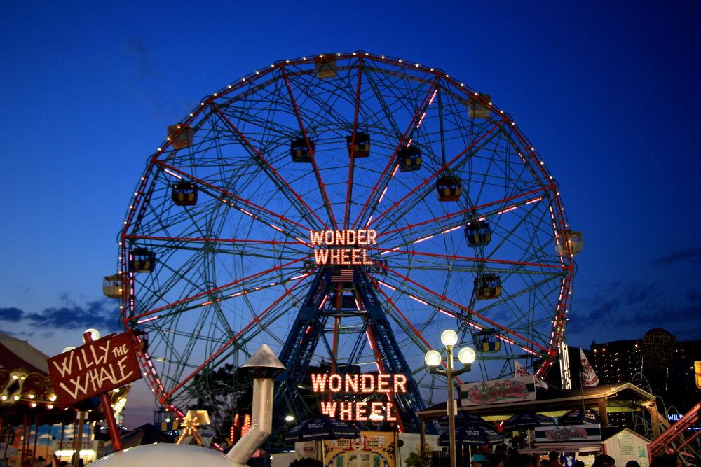Wonder Wheel by Angela Yiting Chen