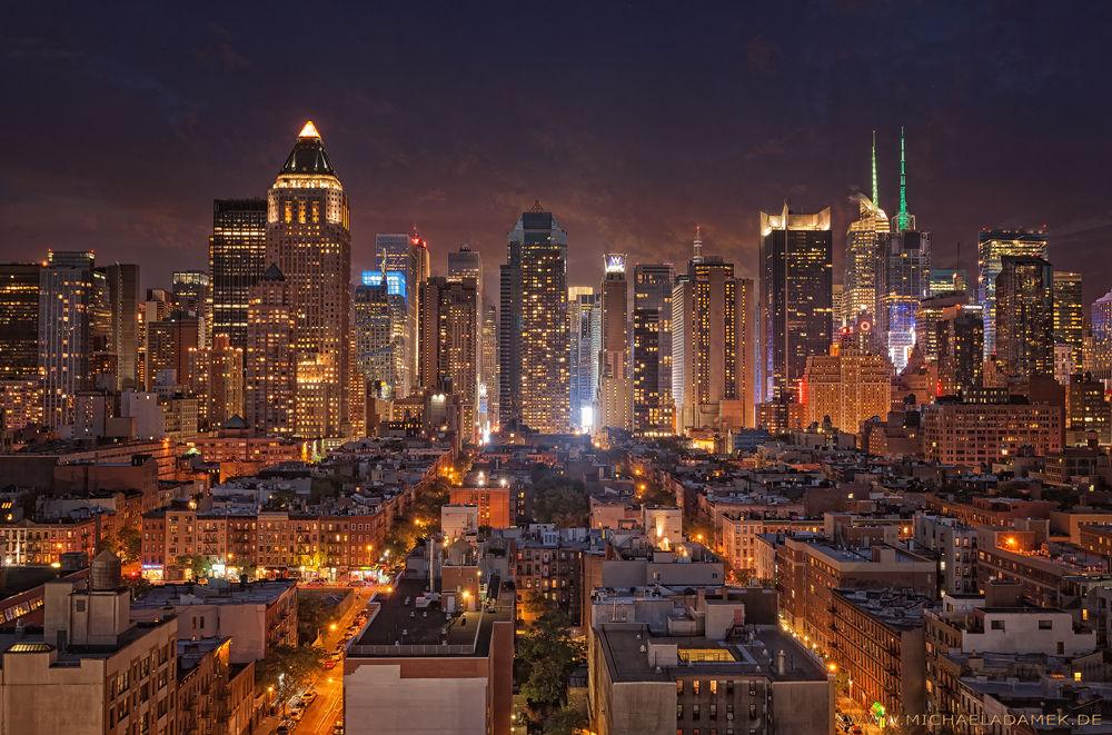 Photo in Cityscape #manhattan #midtown #city #skyline #usa #new york #na #nac #skyscraper #light #night #shot #times square