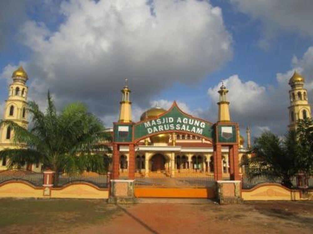 Masjid di Kota Manggar, Belitung Timur by sumaidimbm