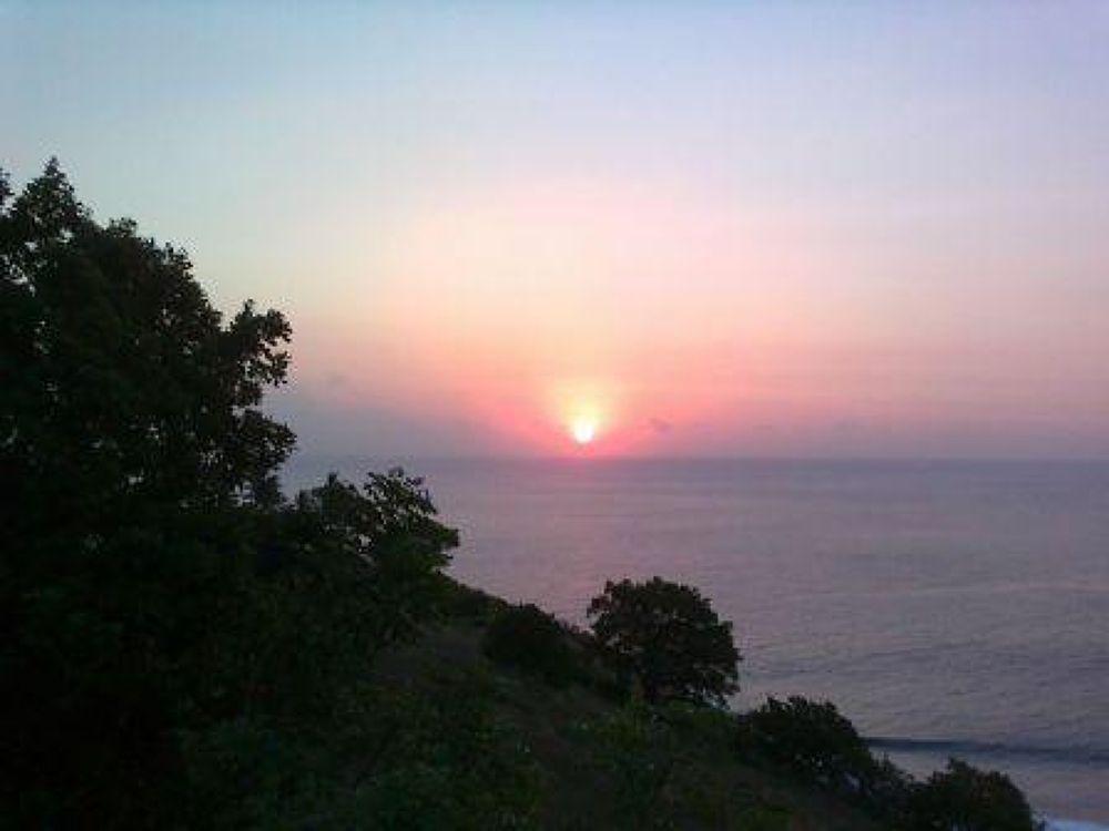 Sunset di Pantai Lombok by sumaidimbm