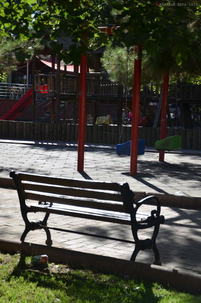 Yalnız Park...Alone Park by Ramazan Kaya