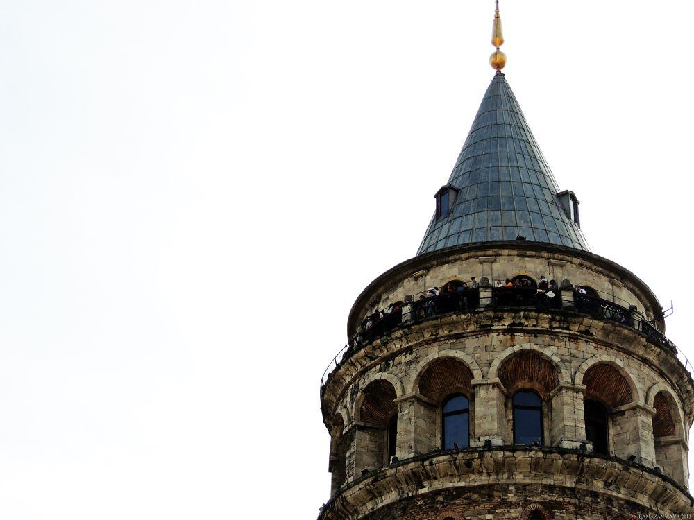 Galata Kulesi by Ramazan Kaya