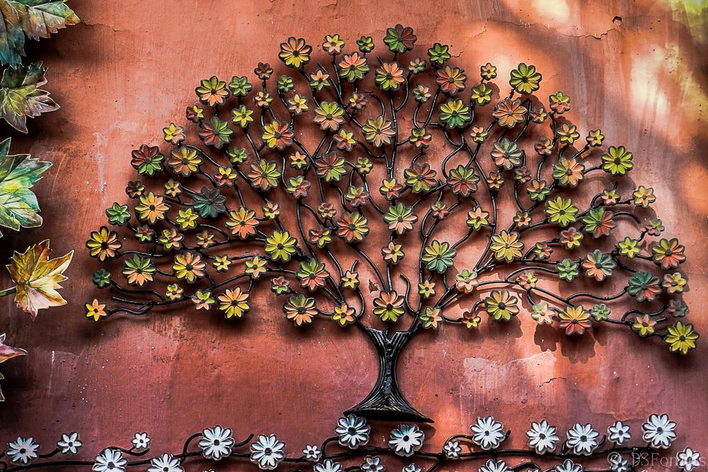 Artisanal handicraft - iron flowers by Doris Fontes