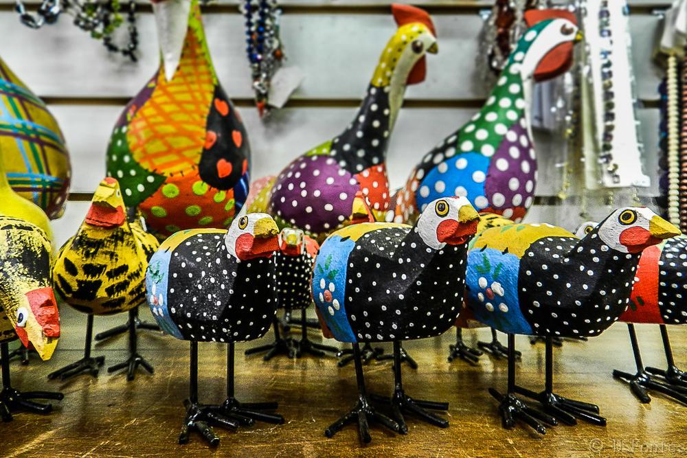 Artisanal handicraft - Wood guineafowl bird by Doris Fontes