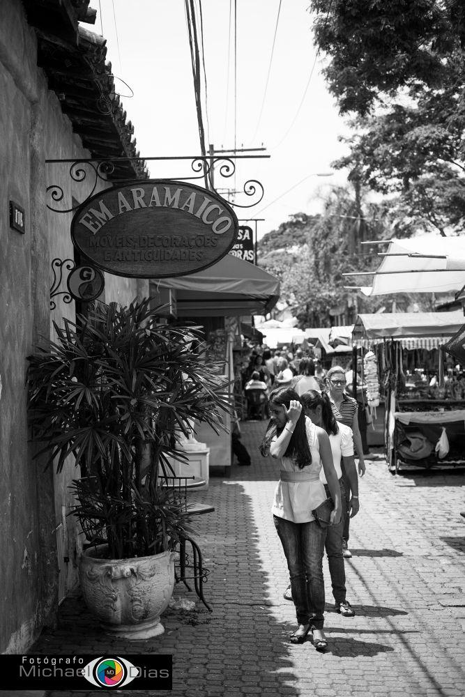 Photo in Urban #feira #rua #gente #preto e branco #restaurante