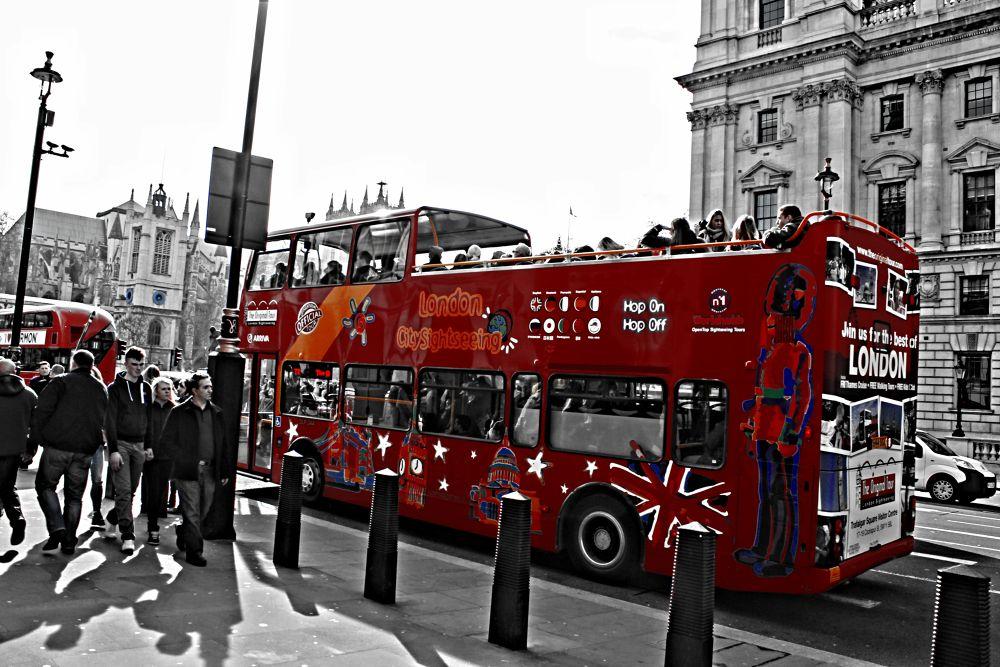 London bus by Joaquim Ribeiro