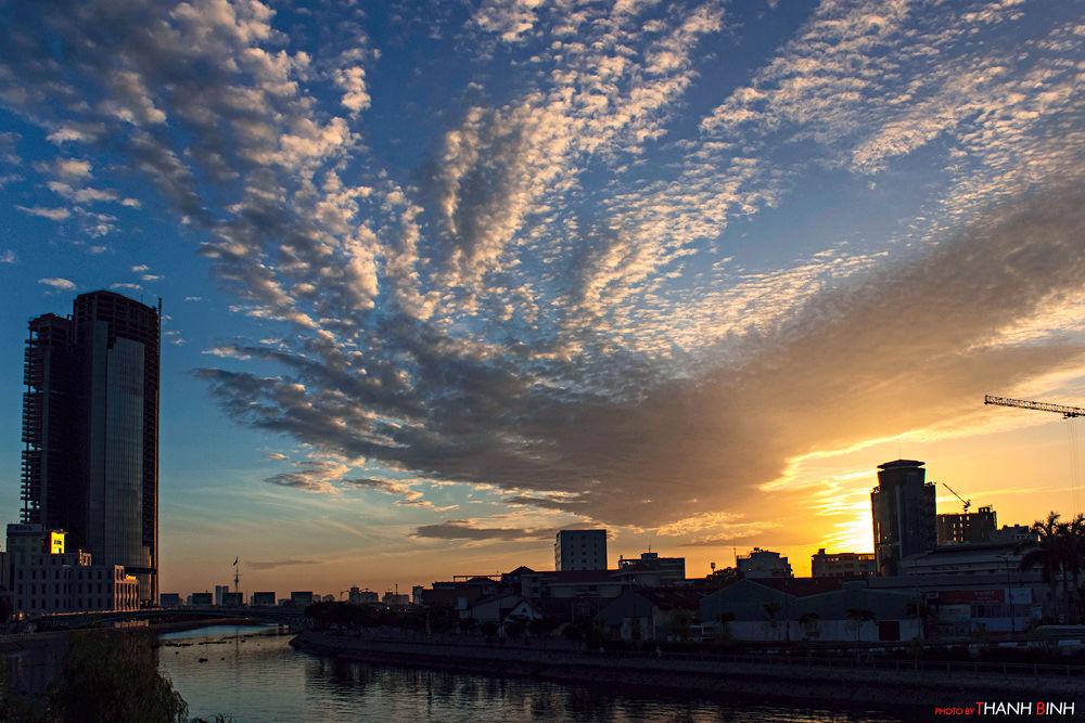 clouds. by binhhtphoto