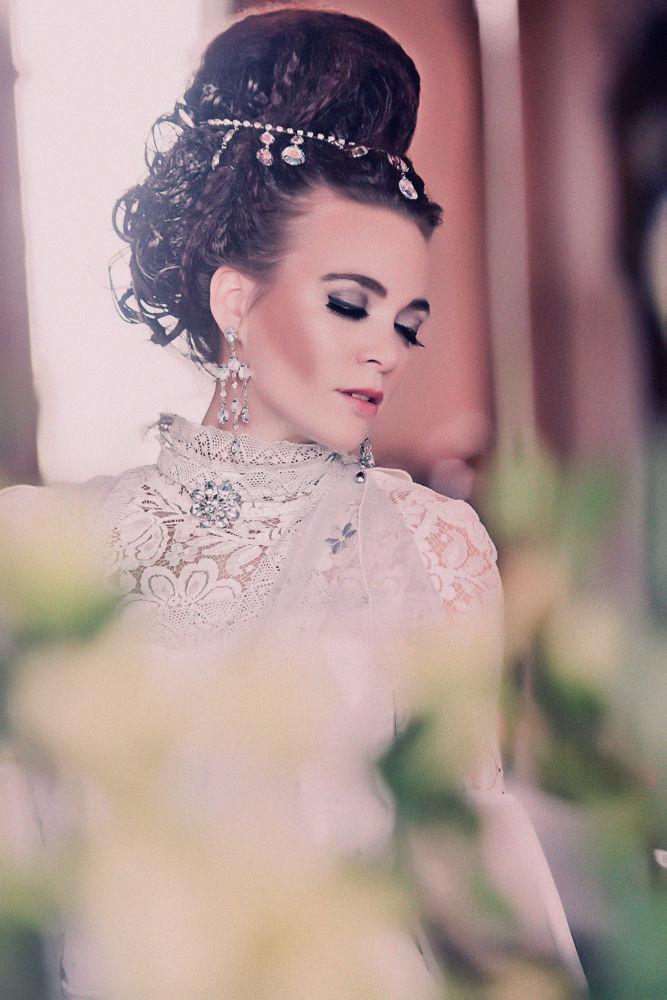 Photography: Johnny ten Have MUA/Hair: Carla Stroykens Model: Nadine Stephan Design: Nadine Stephan by nadinestephan