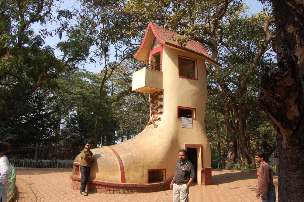 DSC_6207 SHOSE HOUSE AT HANGING GARDEN MUMBAI. INDIA by DINESH KRISHNA DASH