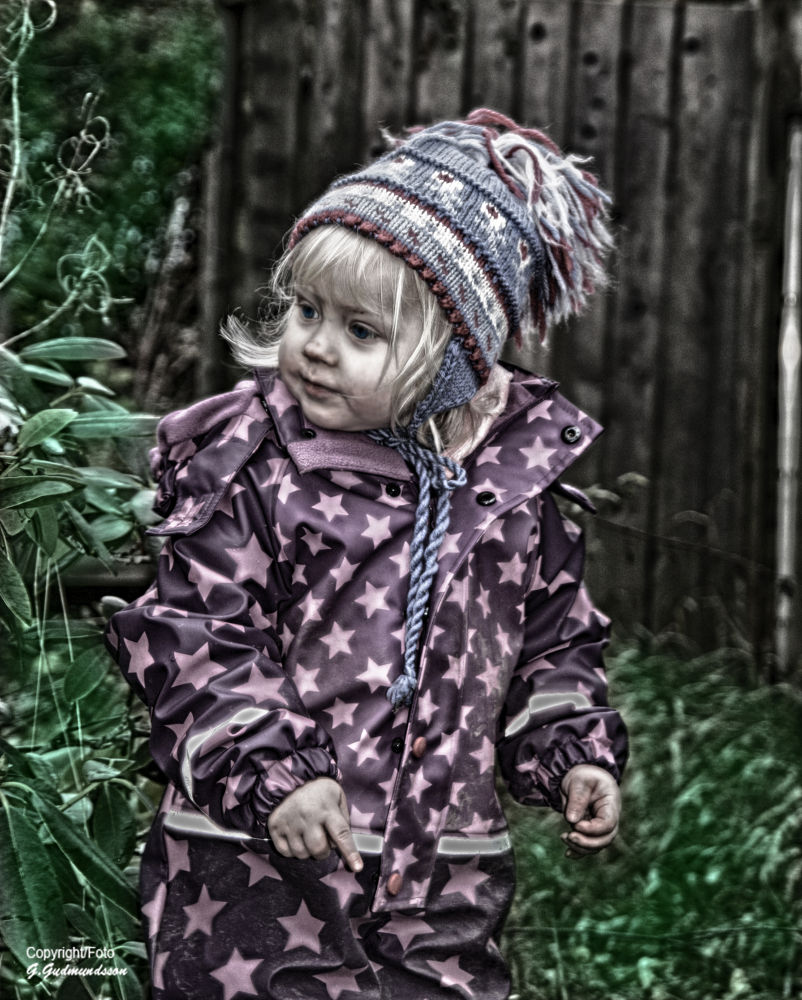 Littel Girl by GGPhoto