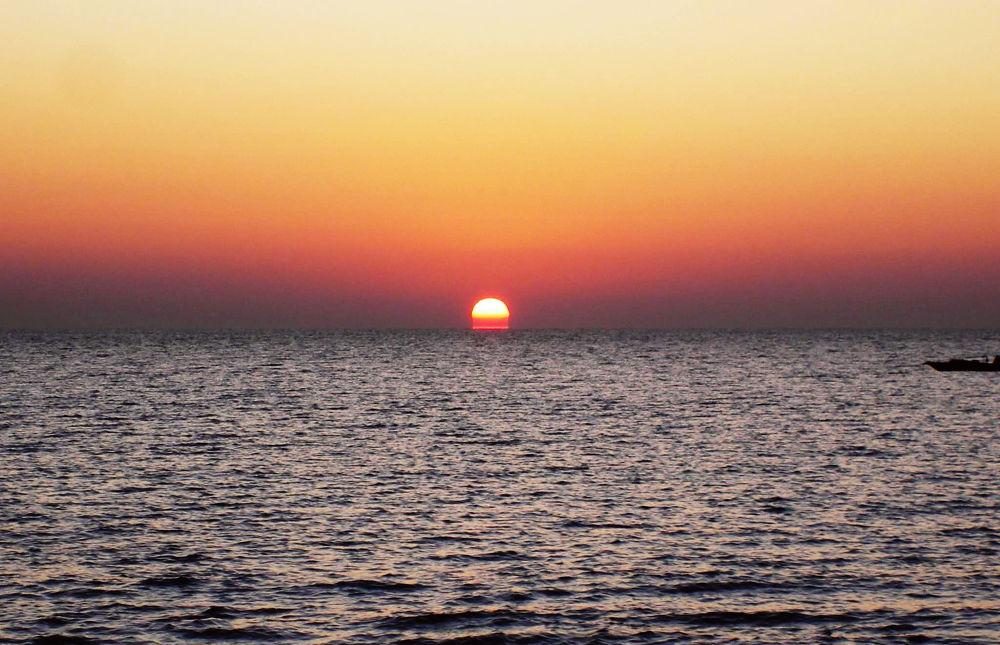 sun rise a sea in Diu by mitalibaruah