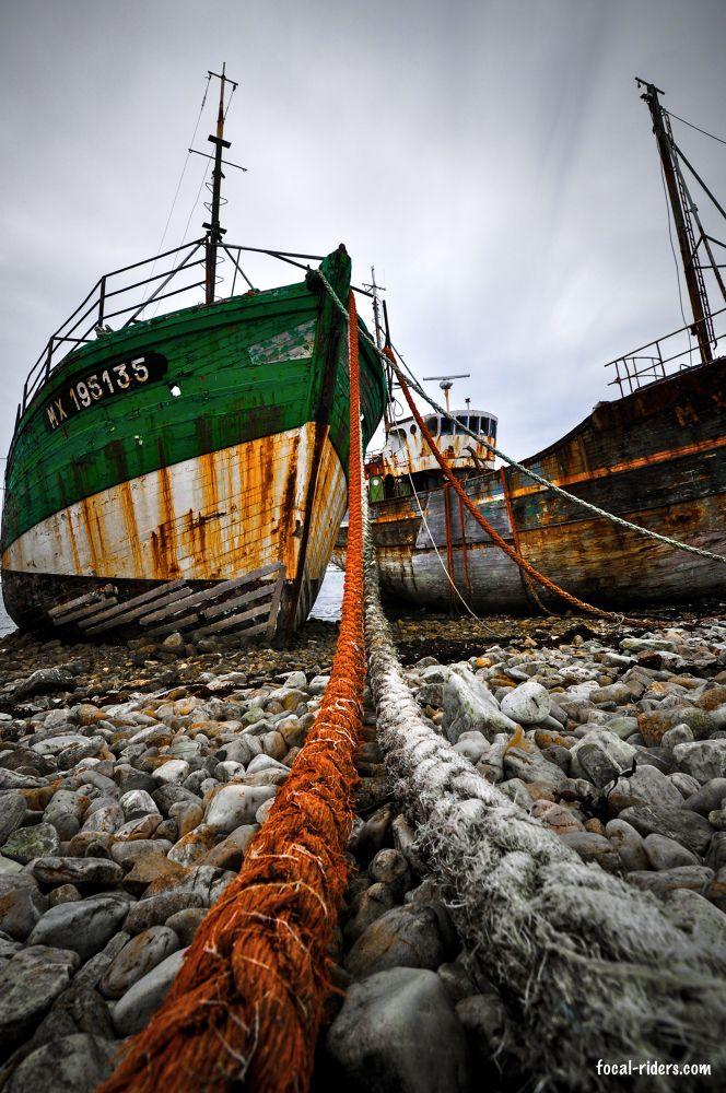 Desperate Boats by Régis Jouvinier