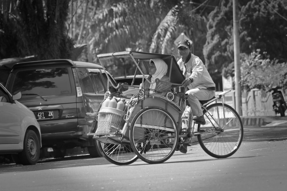 pedicab driver  by ruru malle