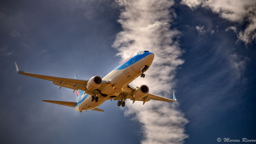 Thomson Airways  by Marcos Rivero