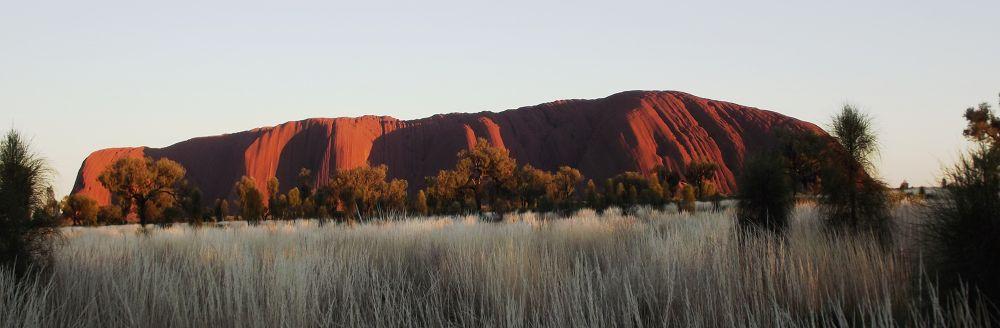 Uluru by gordon veitch