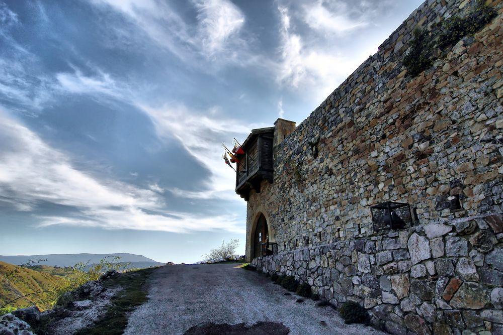 Castillo by julio rubio