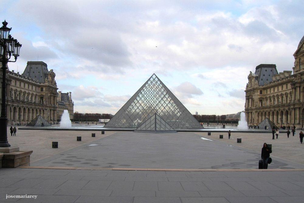 Le Louvre by josemariareymontes