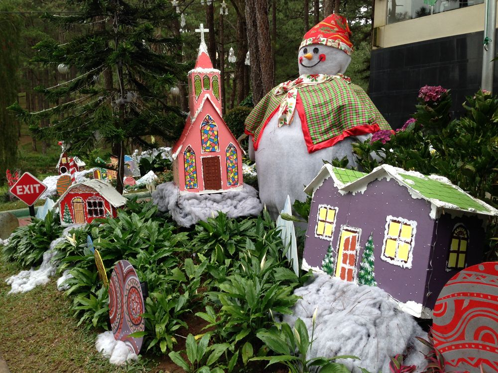 Christmas in Baguio by mench chu