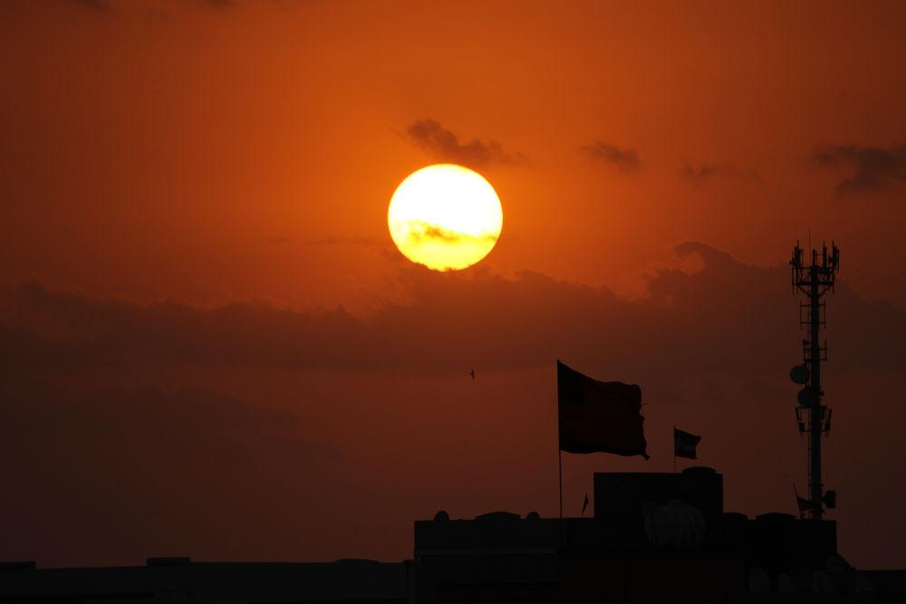 Sun Rise by Sithija De Silva
