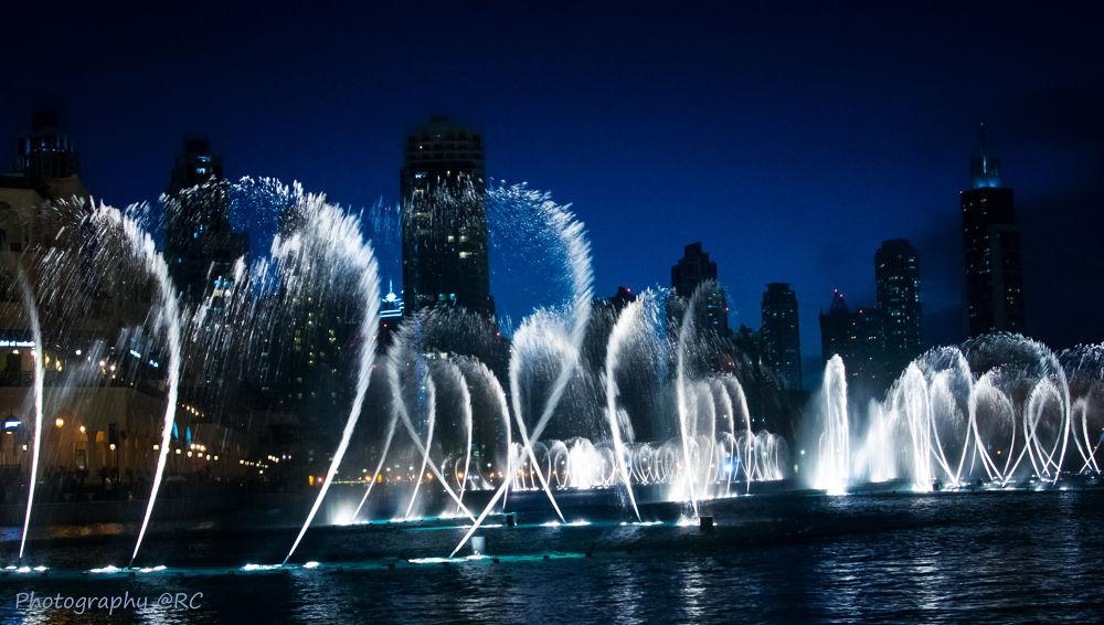 Dubai fountains at night  by ruthchudaskaclemenz