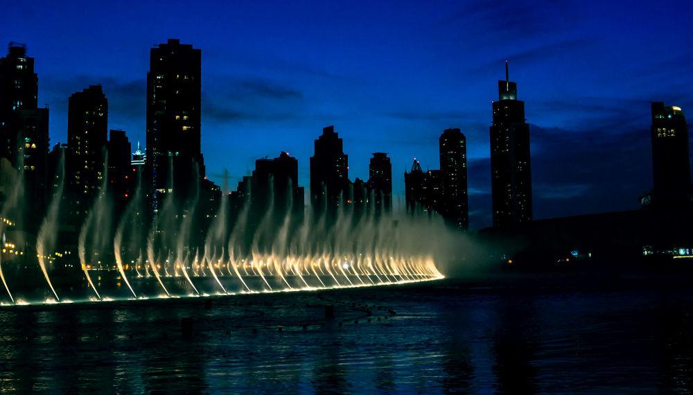 Dubai fountains by ruthchudaskaclemenz