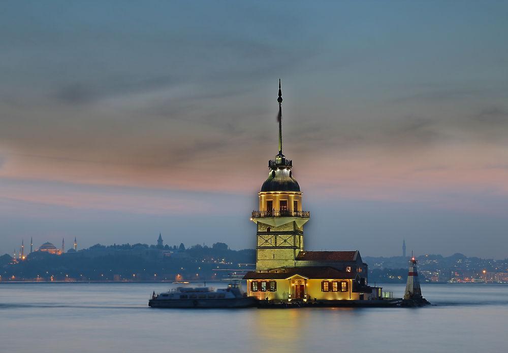 Kiz Kulesi 3 by Turan Arslan