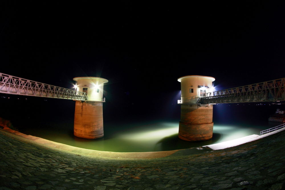 Twin  by SonMao