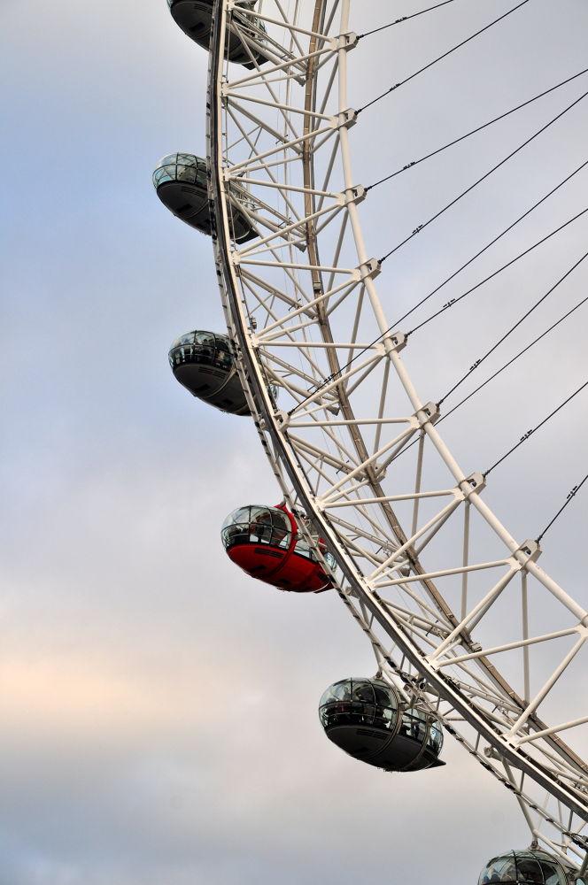 london eye by Alexandra Csuport