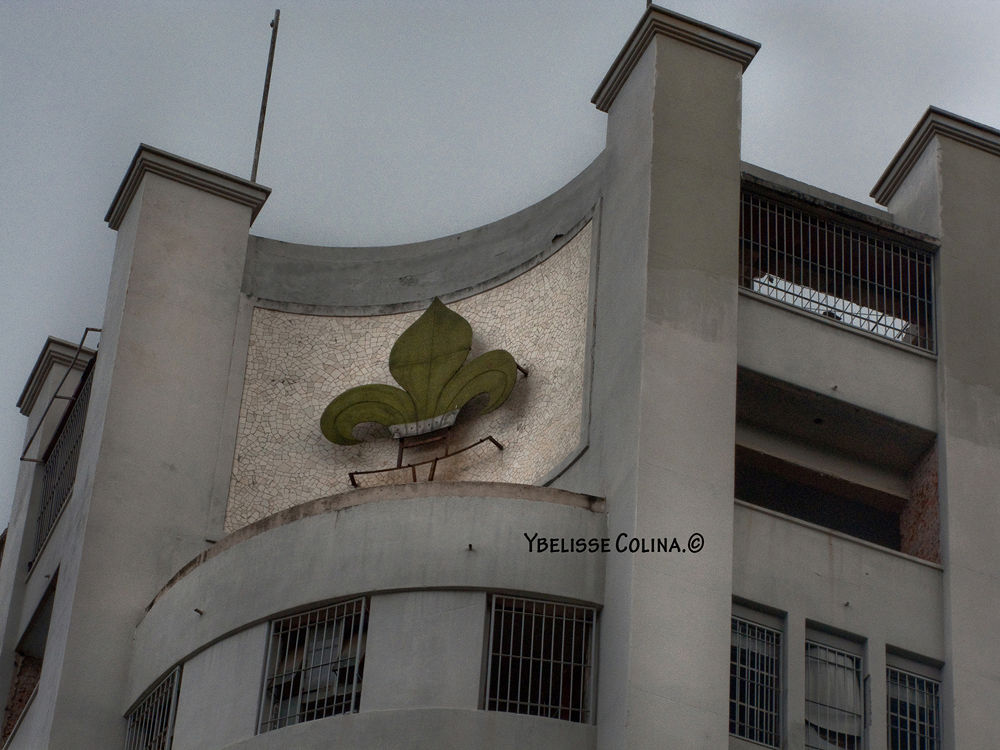 Antiguo Edf by Ybelisse Colina