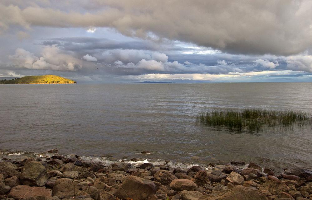Lake Titicaca by luislautaro1