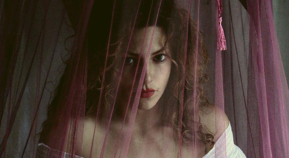 WWW.LUNAMODEL.BOOK.FR by Natalia Kovachevski