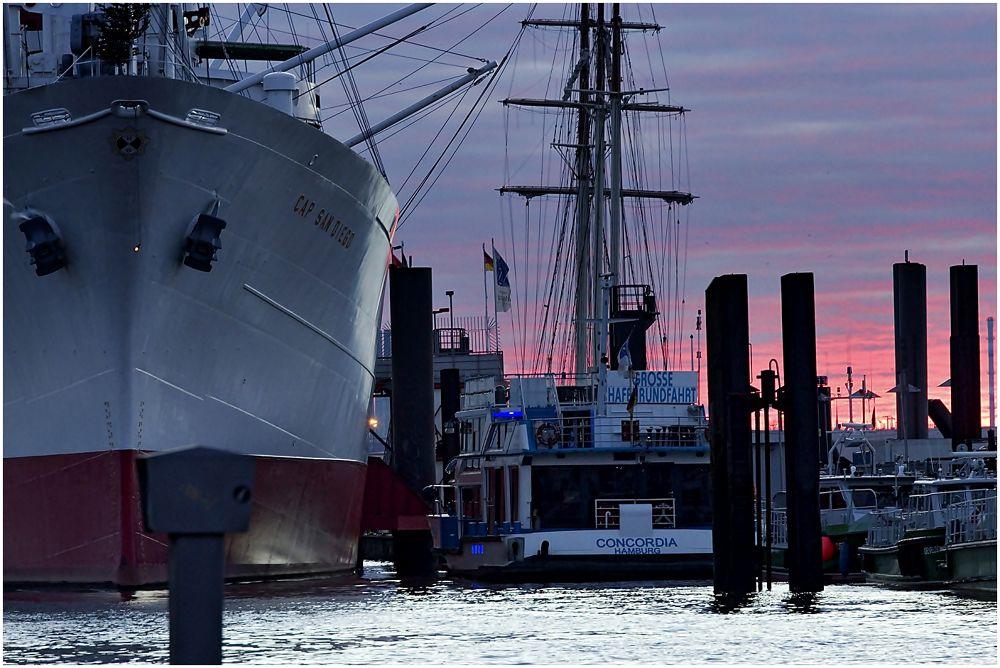 Photo in Urban #hamburg #sunrise #port #cap san diego #water #elbe #concordia #morning #last day of 2013