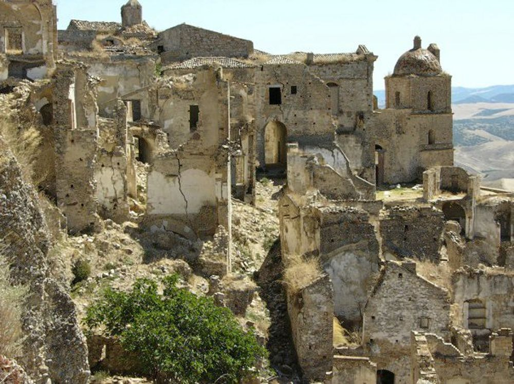 Craco - ghost town by Giuseppe la Rossa