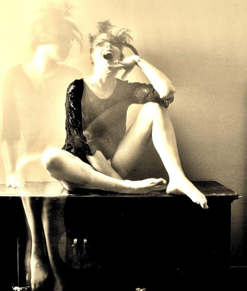 le nacre noir by Angélina Nové