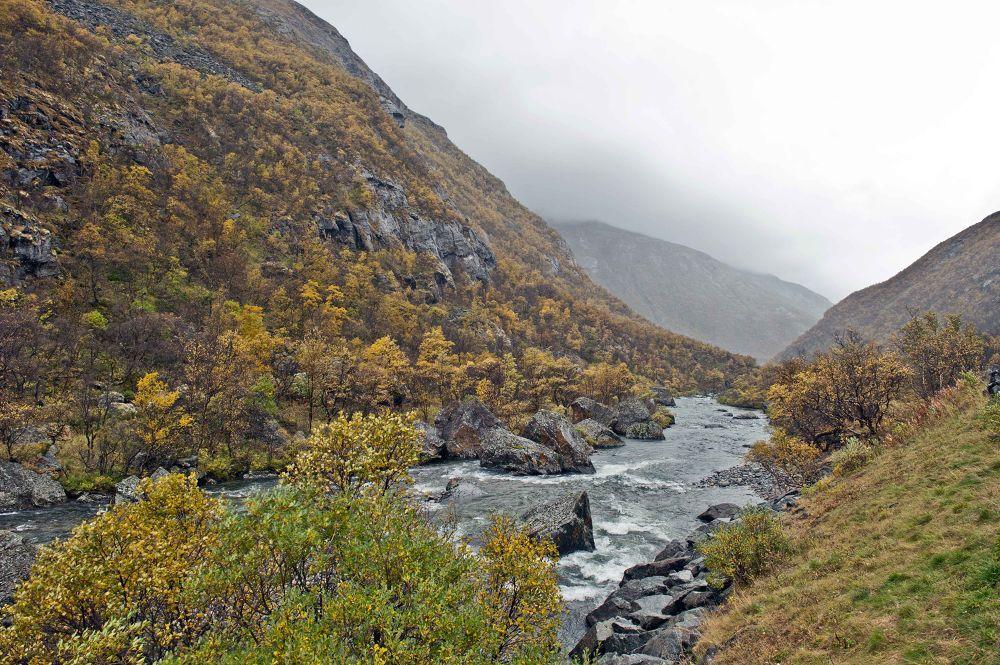 Norwegian mountain by henrikhenrikhansson