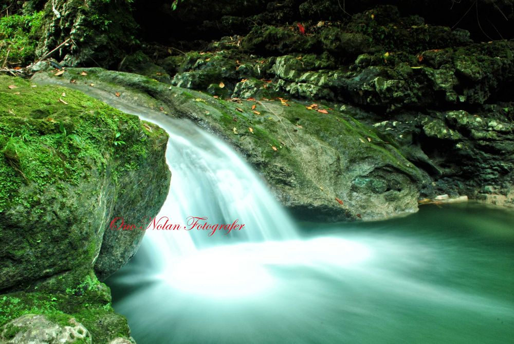 Sungai Yogi/Namo Sifelendrua lokasi foto Bawomataluo Village  by galleryononolan