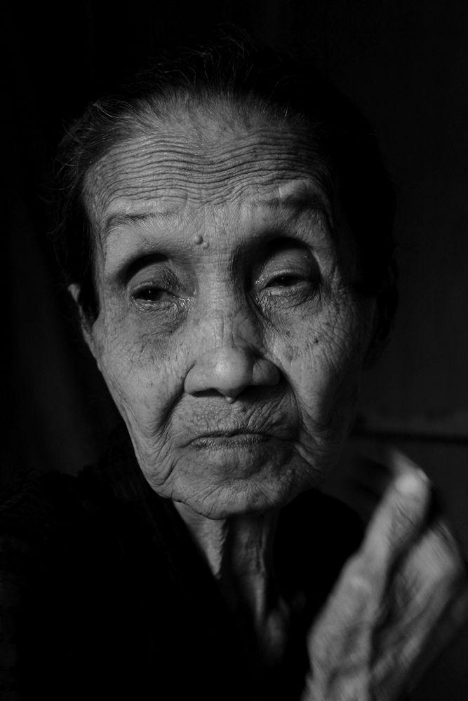 Grandma by aiyakenzei
