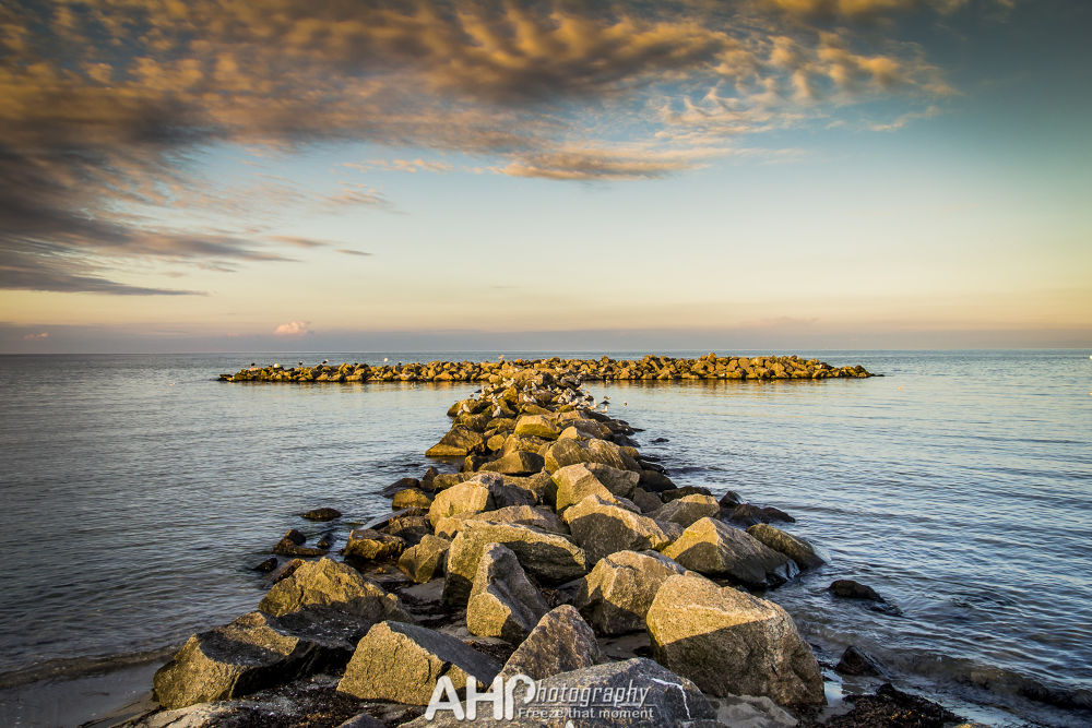 wave breaker T by AHPhotography