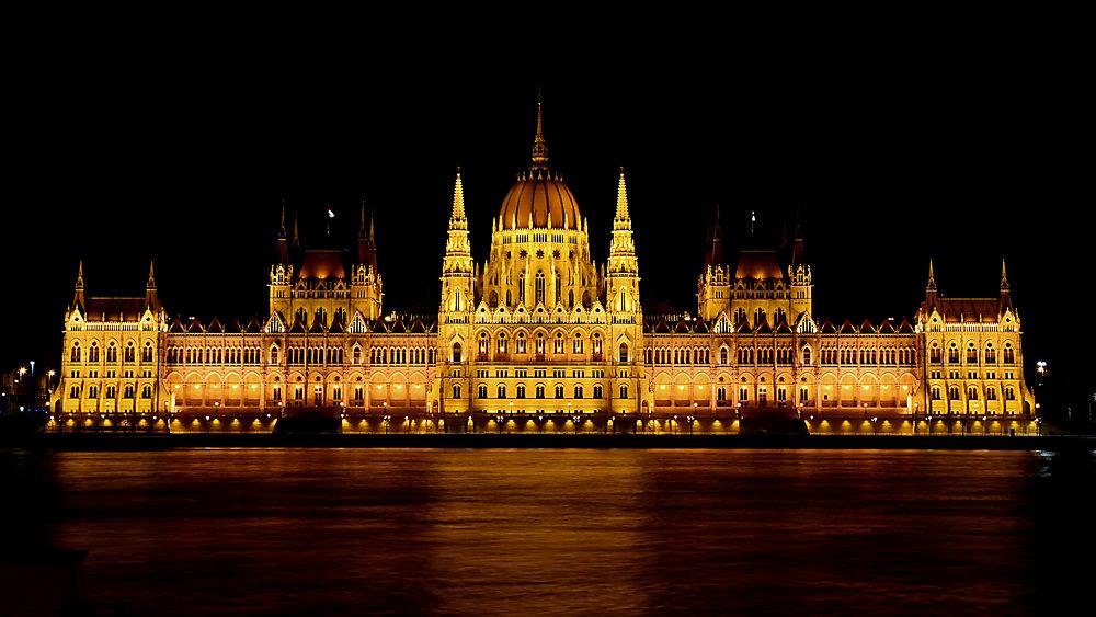 Hungarian Parliament Building by Ayten Öztürk